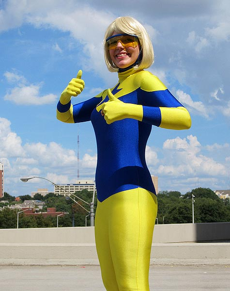 Shelley as Booster Gold at Dragon Con 2012 (pic courtesy Firestorm Fan)